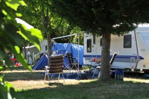 images/diaporamas/camping/thumbs/caravan_camping_annecy.jpg
