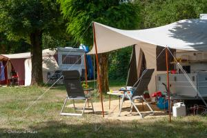 images/diaporamas/camping/thumbs/emplacement-caravane-annecy.jpg