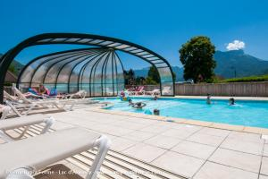 images/diaporamas/espace-aquatique/thumbs/camping_piscine_couverte_pool_annecy.jpg