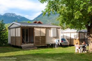 images/diaporamas/locations/thumbs/mobil-home-2-personnes.jpg