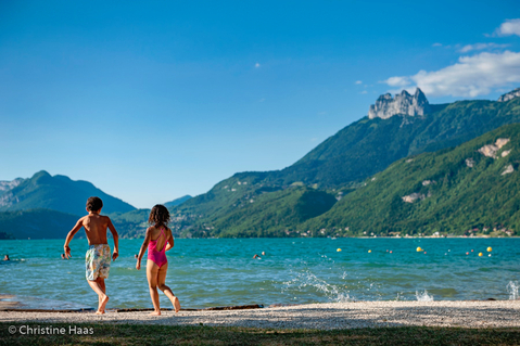 plage beach kids enfants annecy